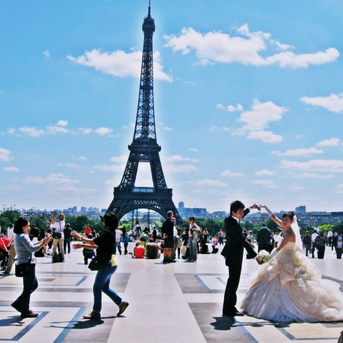 eifel tower dance