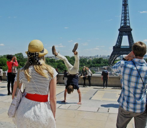 eifel tower handstand