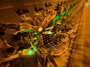 paris bike share glow